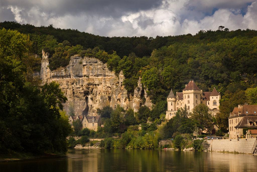 Near La Roque-Gageac